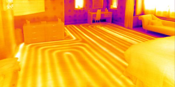 A padlófűtés egyenletes hőeloszlása
